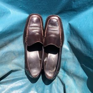 Dark brown Unisa flats